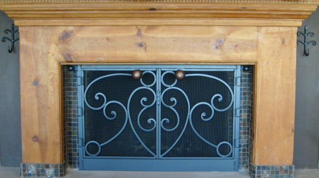 Fireplace_Doors_-_Whole_Mantle.JPG